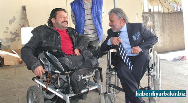 DİYARBAKIR-Diyarbakır Büyükşehir Belediyesine ait bazı otobüslerin şoförlerinin engellileri araçlara almaması tepki topluyor.