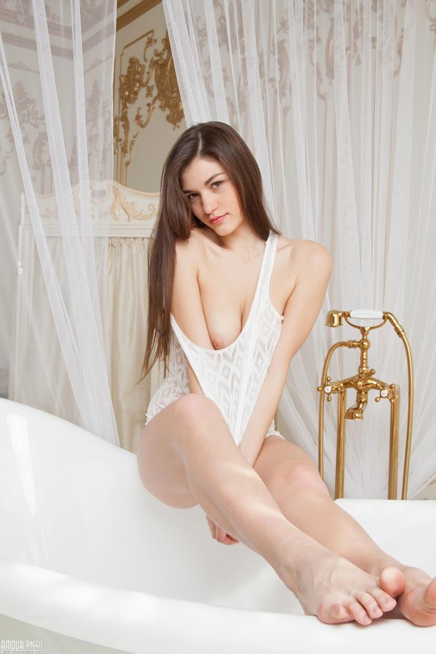 AmourAngels WHITE CRYSTAL Original-size amourangels 06180
