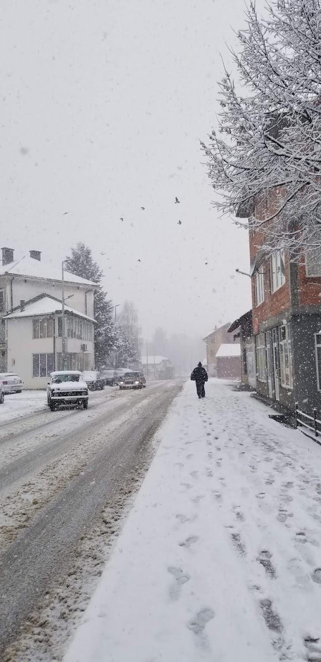 FOTO: Snijeg u Plavu