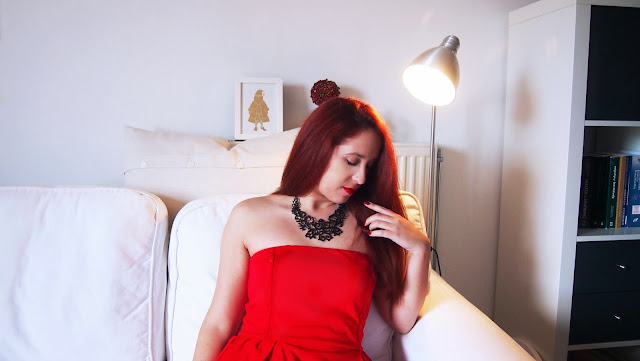 redhead, choies, spotlights on the redhead, migato, mango, dress, red dress, peplum, tomas chantal, nivea,christmas, holidays,