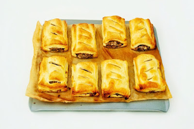 Spicy vegan sausage rolls made with a selection of beans and spices all bound up in golden and flaky puff pastry. #veganpastry #vegan #vegansausagerolls #sausagerolls