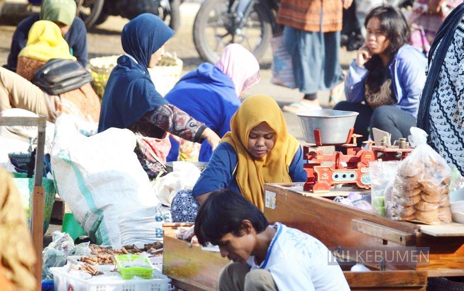 Pasar Tumenggungan dan Semua Toko di Kebumen Bakal Ditutup