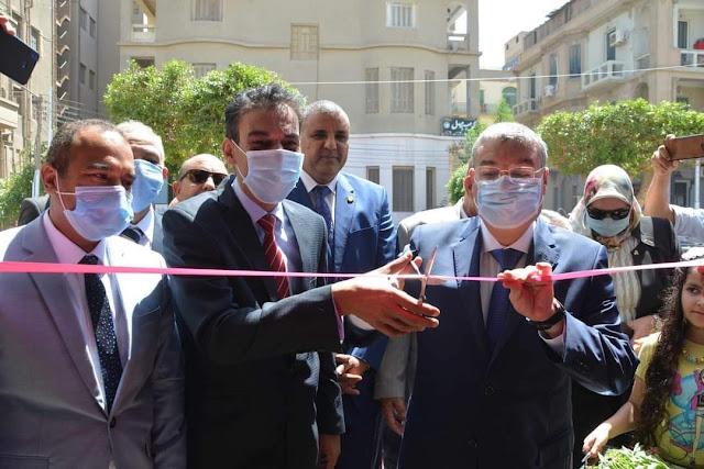 محافظ المنيا يفتتح مكتب التصديقات والخدمات القنصلي أمام الجمهور