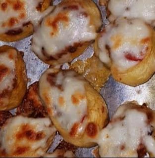 طريقة عمل البطاطس المخبوزة بالموتزريلا