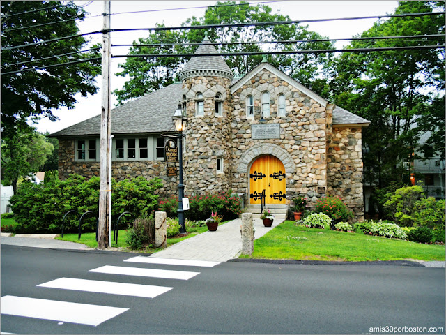 Ogunquit Memorial Library, Maine