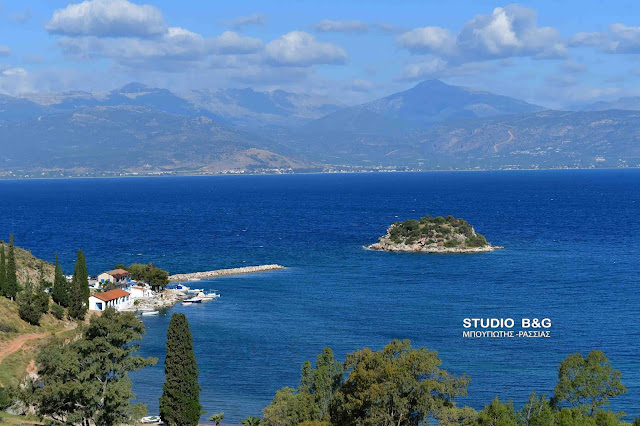 Άγιος Κωνσταντίνος Καραθώνας: Γιορτάζει το πιο όμορφο εκκλησάκι του Ναυπλίου (βίντεο)