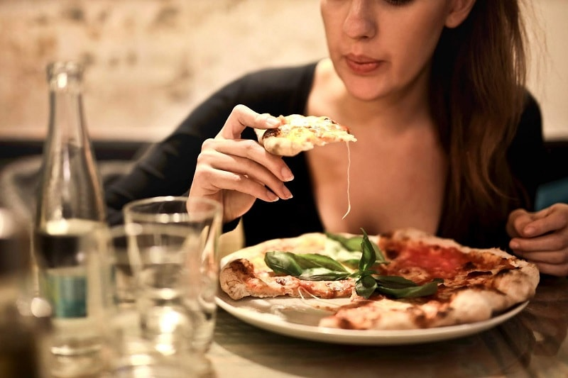 كيف يعمل إدمان الغذاء