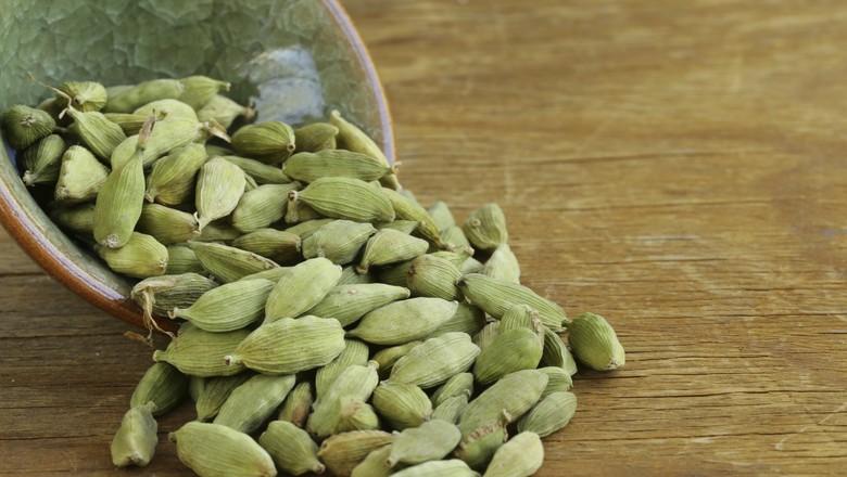 Suplementos de cardamomo verde podem proteger o fígado de pessoas com obesidade