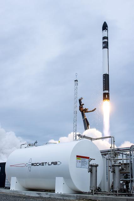 Lançamento do foguete de elétrons