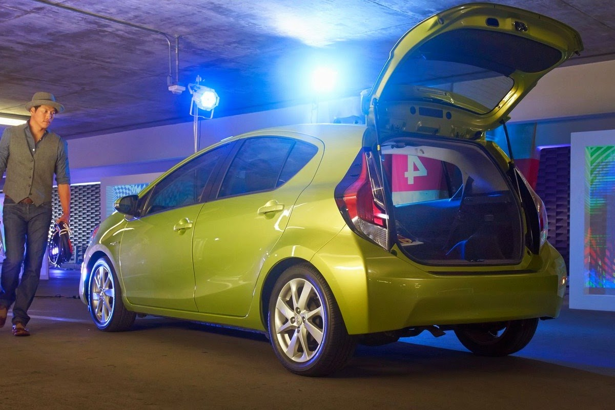 2015 toyota prius c 53 mpg city 46 mpg highway car reviews new car pictures for 2018 2019. Black Bedroom Furniture Sets. Home Design Ideas