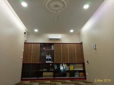 plaster siling dan wiring lampu dalam pejabat