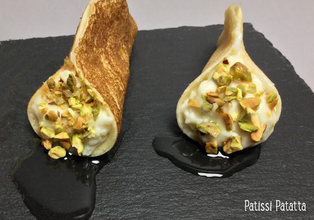 atayef, pâtisserie libanaise, petites crêpes libanaises, crème de lait, ater, sirop à la fleur d'oranger, pâtisserie orientale, pistaches, crêpes à la crème de lait, dessert et douceur, fleur d'oranger, patissi-patatta