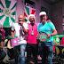 [News] Ivo Meirelles homenageia músicos do Molejo e entrega troféu 'Surdo Um', em referência à bateria da Mangueira