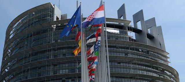 Οδεύουμε προς πολιτική πολυδιάσπαση της Ευρώπης