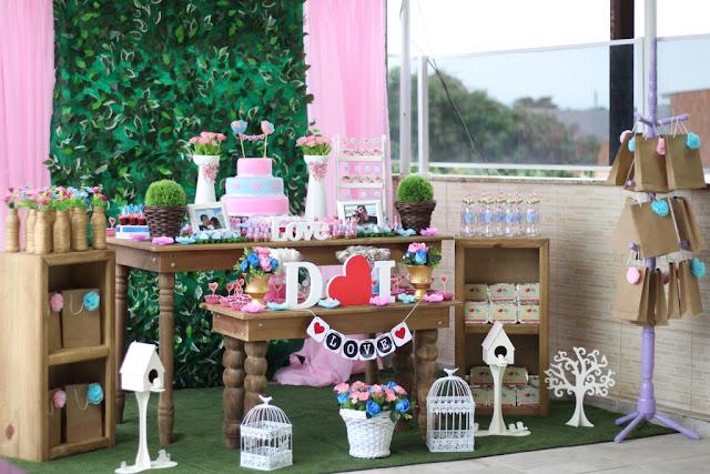 Decoração de festa de noivado gastando pouco