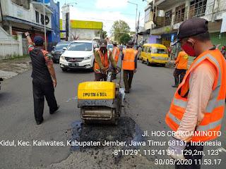 TJL Beraksi, Jalan Berlubang Jadi Mulus, Sumbatan Drainase Lancar