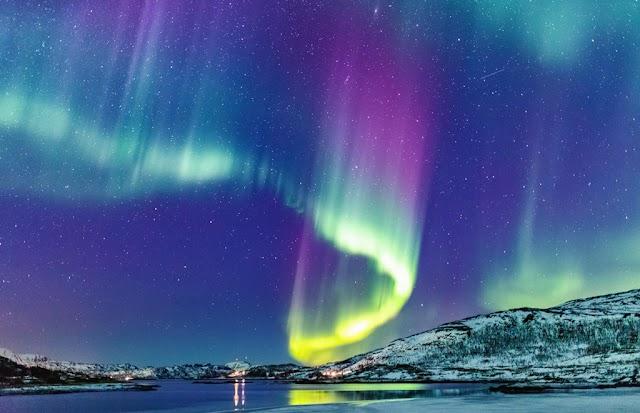 Hell gates, volcanic lightning and spectacular natural phenomena
