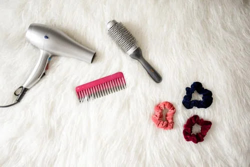 The mistakes to avoid with the hairdryer, in order not to damage the hair and save energy