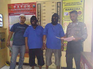 Lagi, Di Rel Bengkong Polisi Amankan Dua Orang Yang Ber Judi Remi