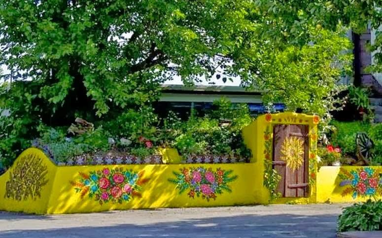 Decorilumina ideas de paredes exteriores y cercos decorados - Molduras para paredes exteriores ...