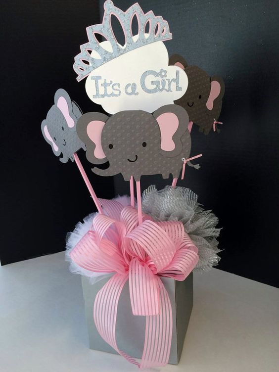 12 centros de mesa y banderines para decorar baby showers for Centro de mesa baby shower