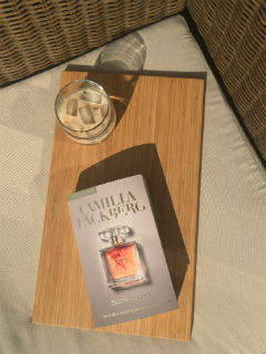 """stół szwedzko-irlandzki, czyli """"Złota klatka"""" Camilla Läckberg, fot. paratexterka ©"""