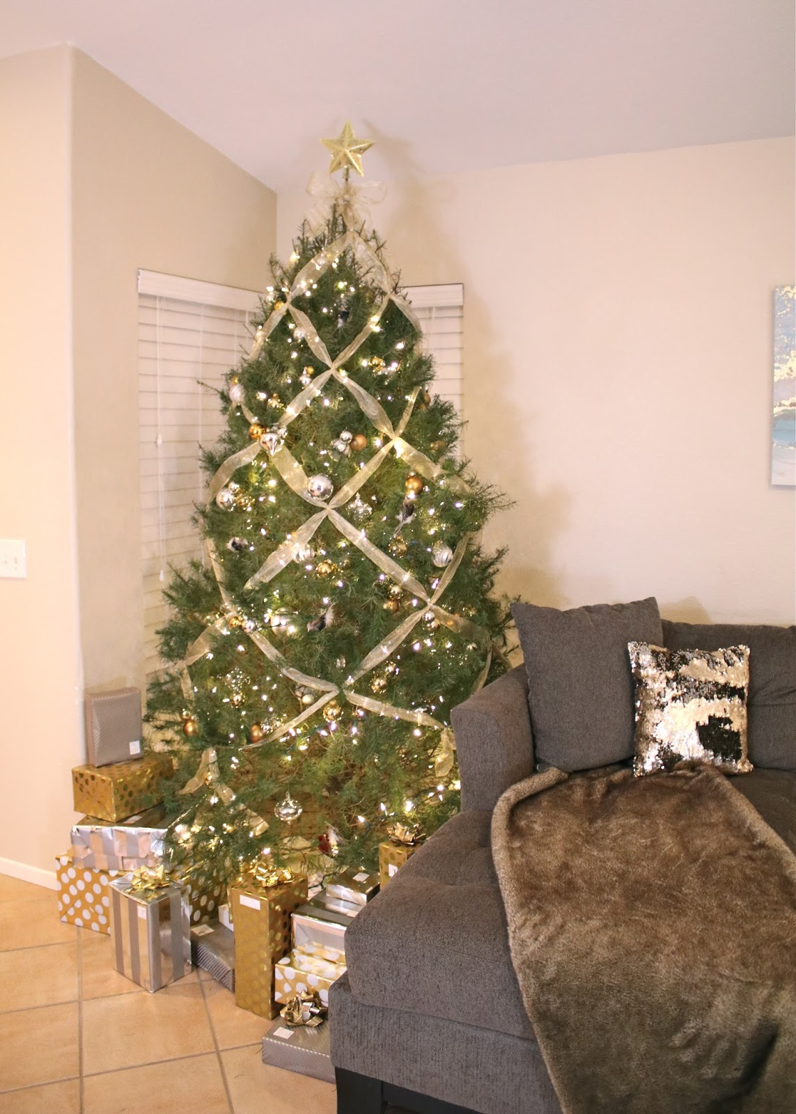 Holiday Home Decor 2016, Holiday home decor, gold and silver Christmas Tree