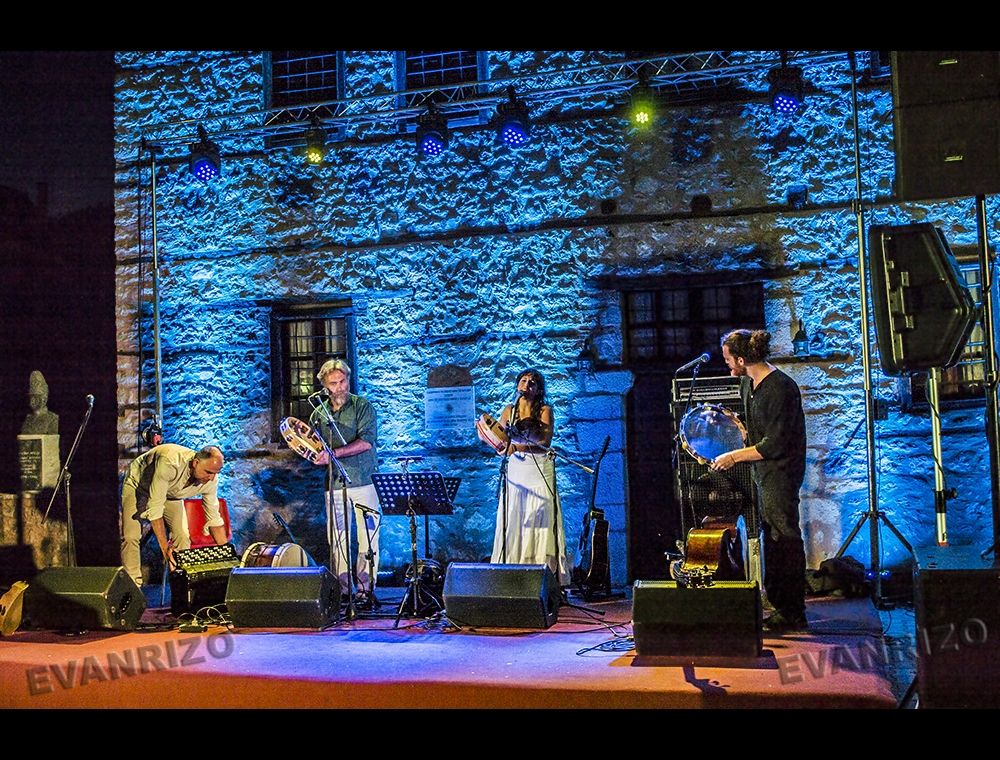 """Οι Encardia στην Καστοριά στις """"Γιορτές της Αυλής""""."""