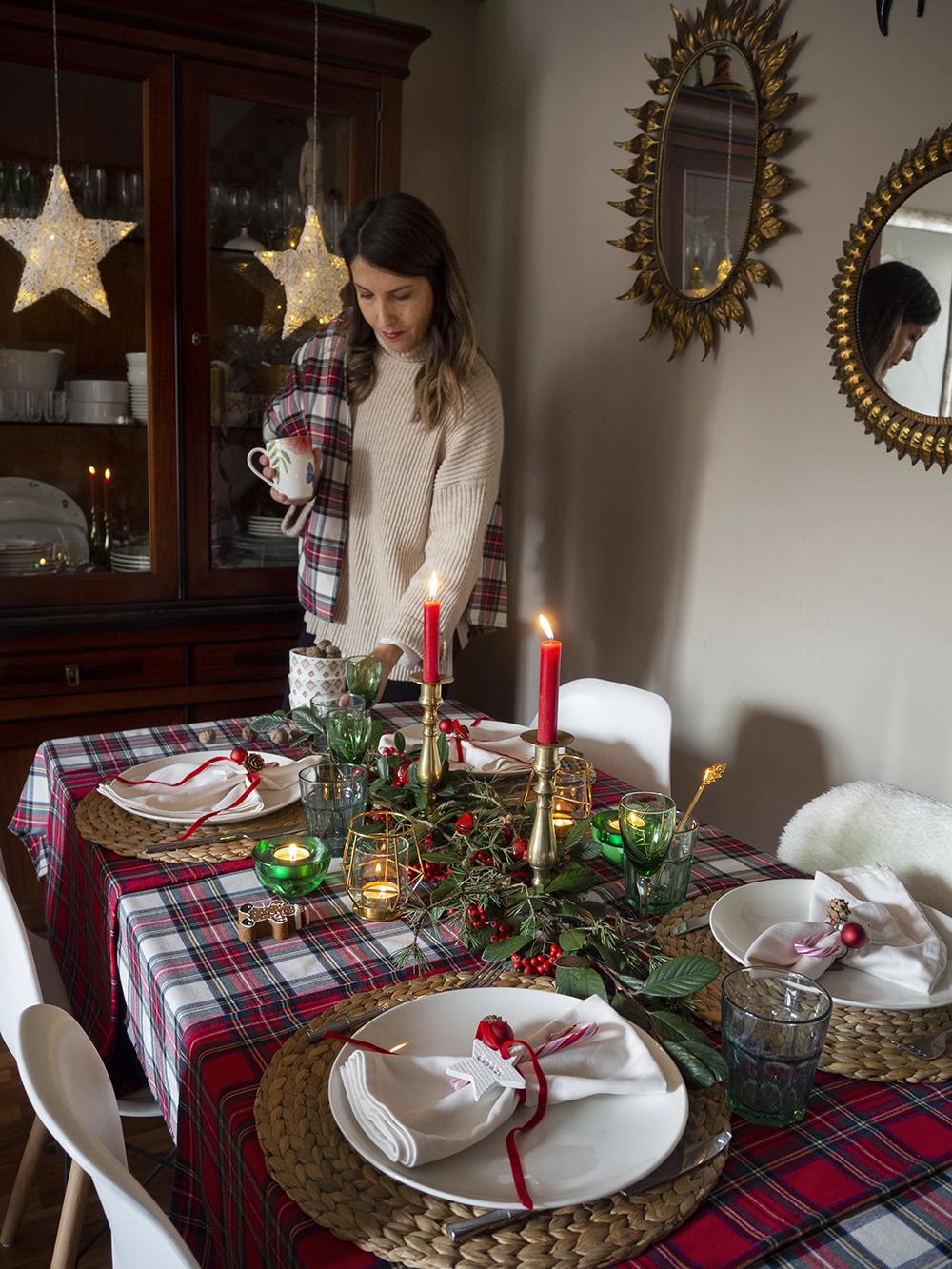 Nuestra mesa navideña en cuadros escoceses25