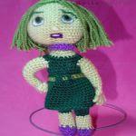 patron gratis muñeca disgusto del reves amigurumi