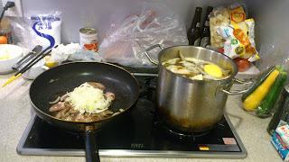 1.レバーペースト調理中_料理教室風写真