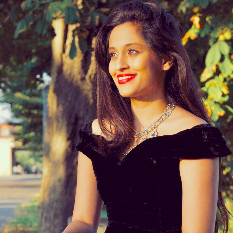 Shweta Pandit Wiki, Biography, Age, Songs, Images - News Bugz