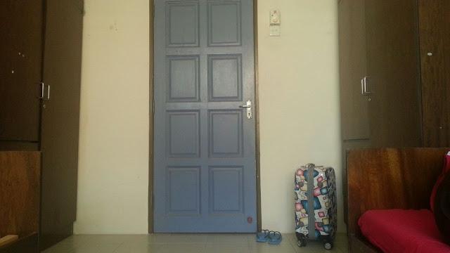 Dari dalam bilik asrama pelajar baharu diploma Unisza