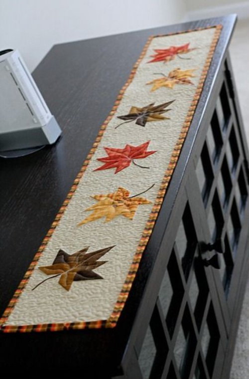 Charm Leaf Table Runner - Free Pattern & Tutorial