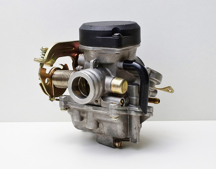 Carburetor vs Fuel Injection : Which one gives better mileage(fuel efficiency)?