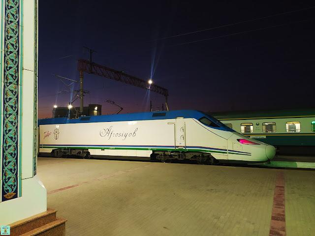 Tren de alta velocidad en Uzbekistán