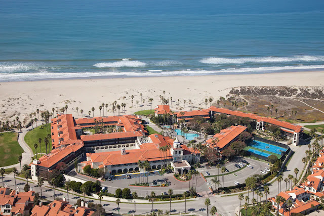 Stay at Embassy Suites by Hilton Mandalay Beach Resort, an all-suite, AAA Four Diamond hotel with beach access, free daily breakfast and modern suites.