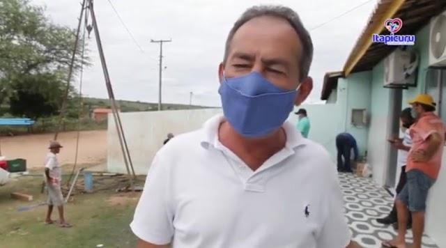 """Prefeito de Itapicuru comenta sobre débitos do município e lamenta descaso da antiga gestão: """"situação financeira muito difícil"""""""