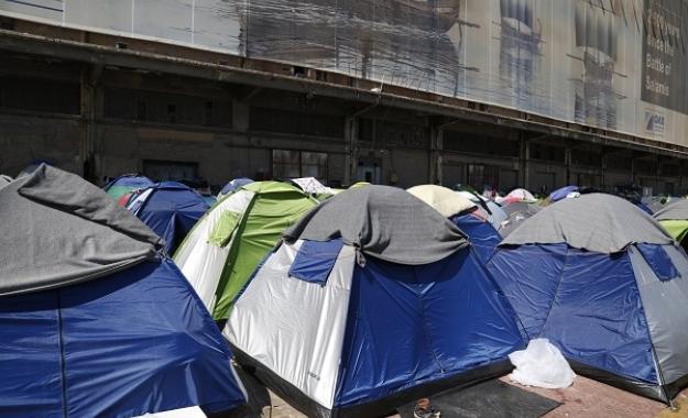"""""""Πυριτιδαποθηκες"""" οι καταυλισμοί μεταναστών και προσφύγων"""