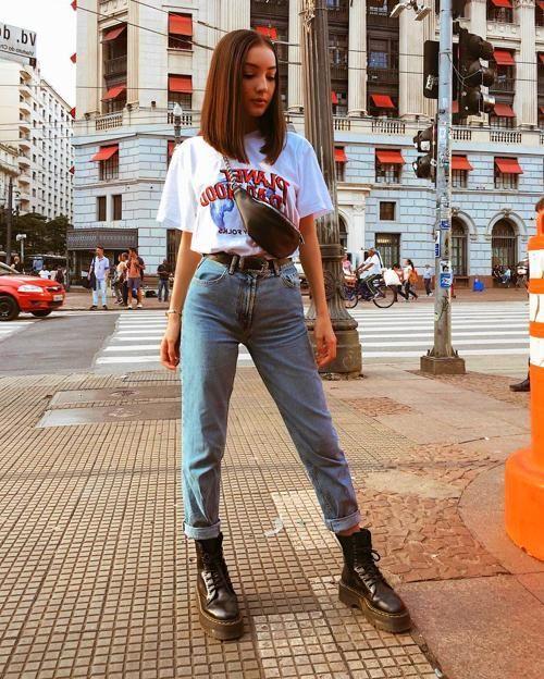 jeans y botas negras