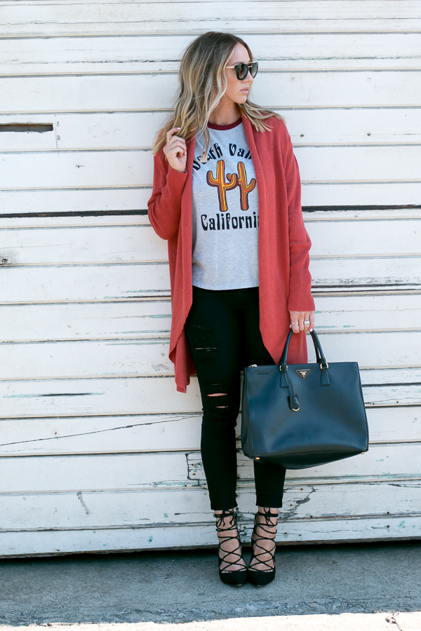 fall colors fashion layers sweater and jeans
