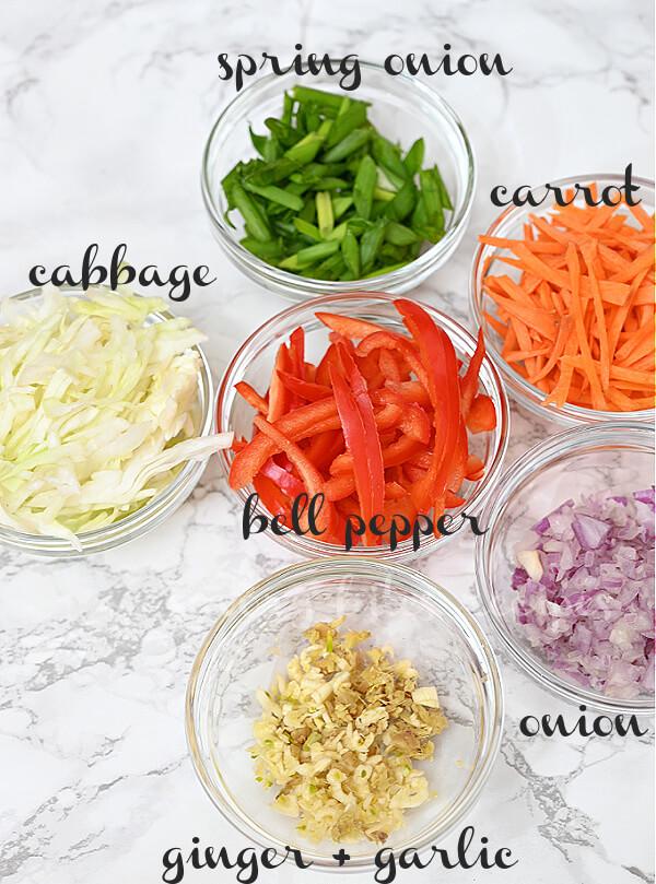 ingredients to make egg roll noodles
