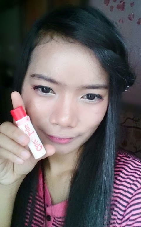 Review Viva White Chic on Lips Moisture Balm (Strawberry Inside & Choco Dreamer)