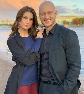 Johannes Bartl with his girlfriend Amanda Cerny