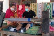 Berkat Kampung Sehat, UMKM Tenun di Sukarara Mulai Hidup