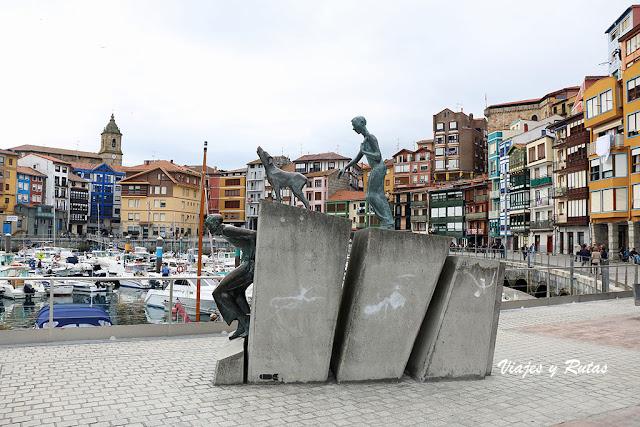 Puerto de Bermeo, escultura