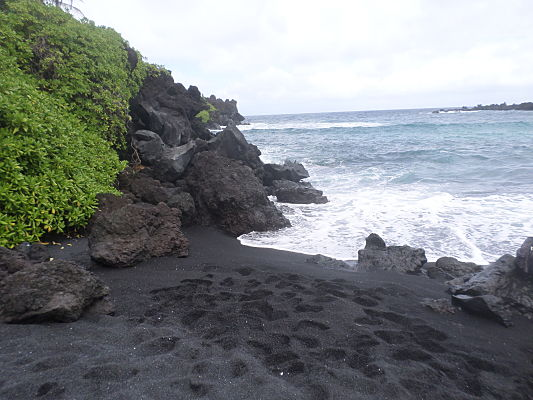 black sand beach road to hana maui