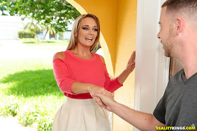[MilfHunter] Tucker Pierce (Nosy Neighbor )