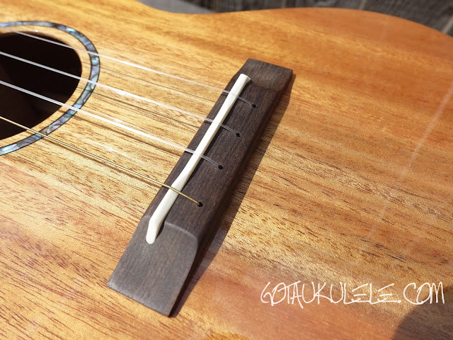 Romero Creations S-M Signature Soprano Ukulele bridge