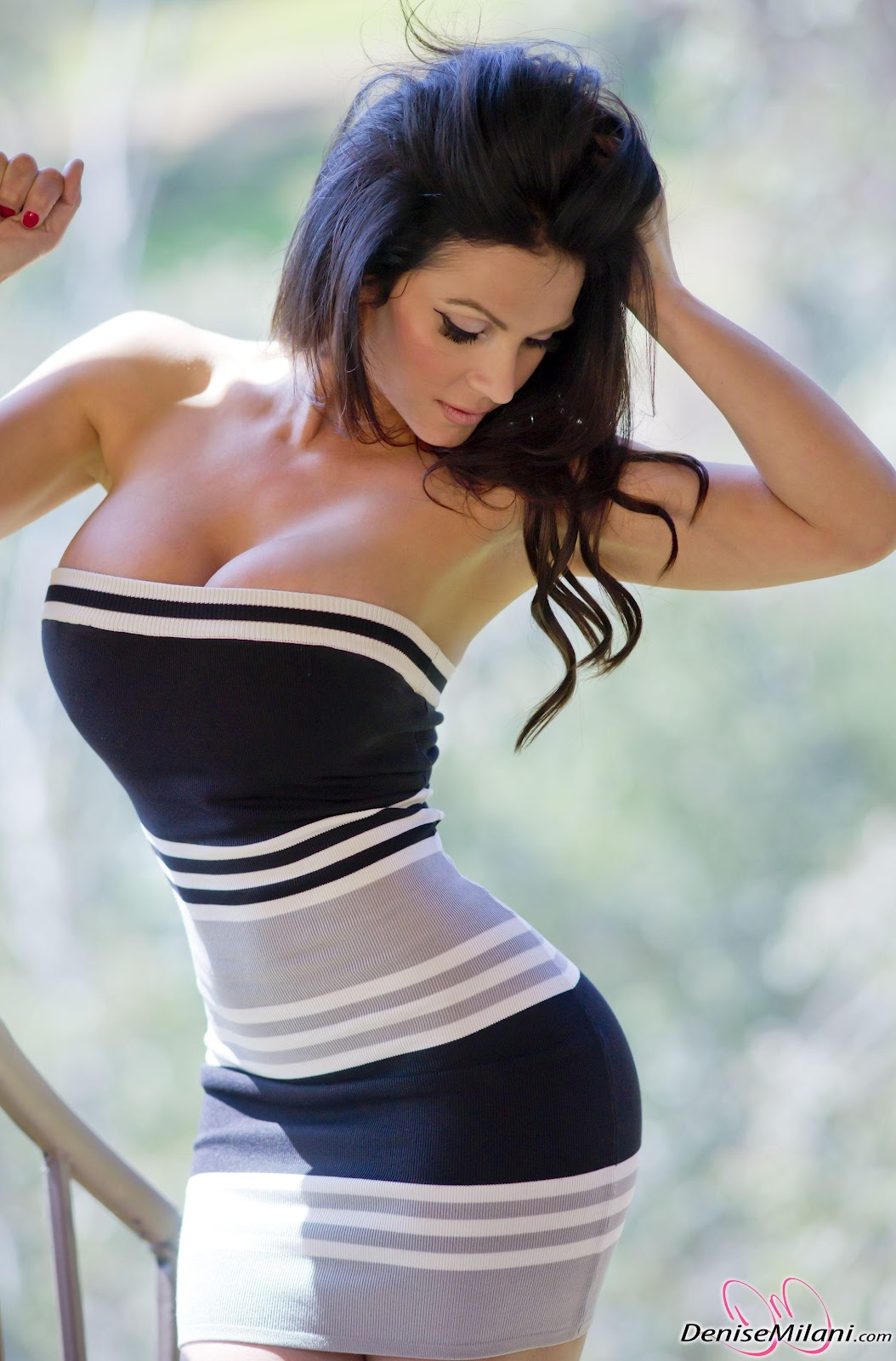 A Beautiful African: Denise Milani Beautiful Figure Picture